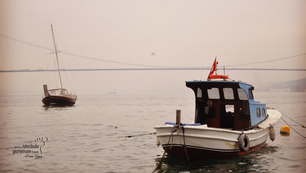 Çengelköy'de Tarihi Çınaraltı Aile Çay Bahçesi