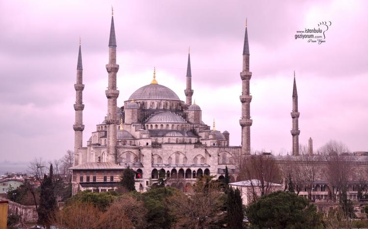 İSTANBUL'DA EN MEŞHUR OLAN 15 CAMİ